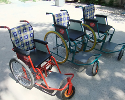 rpt1207_994_4wheelchairs.jpg