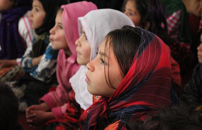地雷回避教育を受ける子どもたち(アフガニスタン)