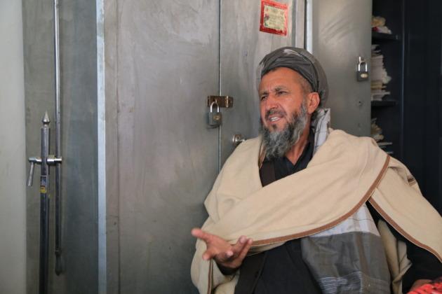 パキスタンに逃れたアフガニスタン難民の男性
